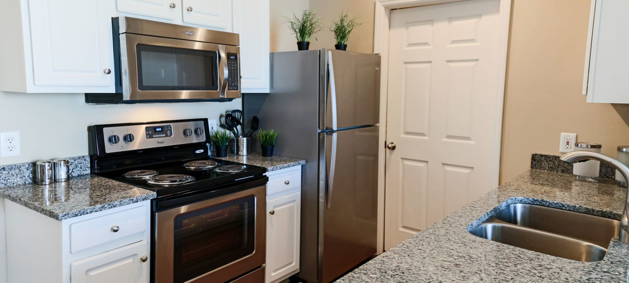 Apartments at The Preserve at Beckett Ridge Apartments & Townhomes in West Chester, Ohio