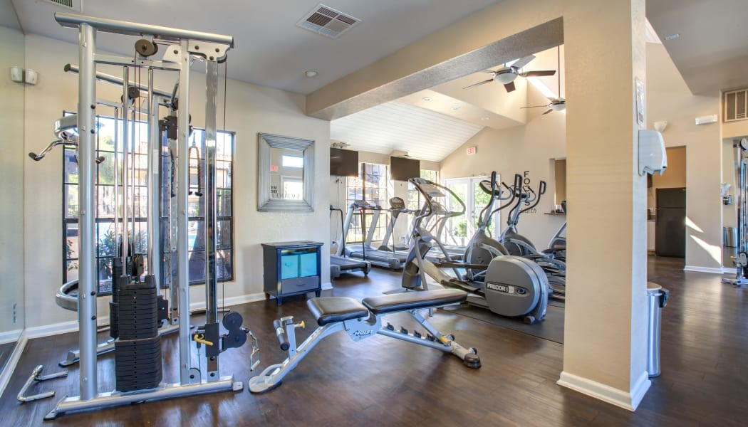 On-site fitness center at Elliot's Crossing Apartment Homes