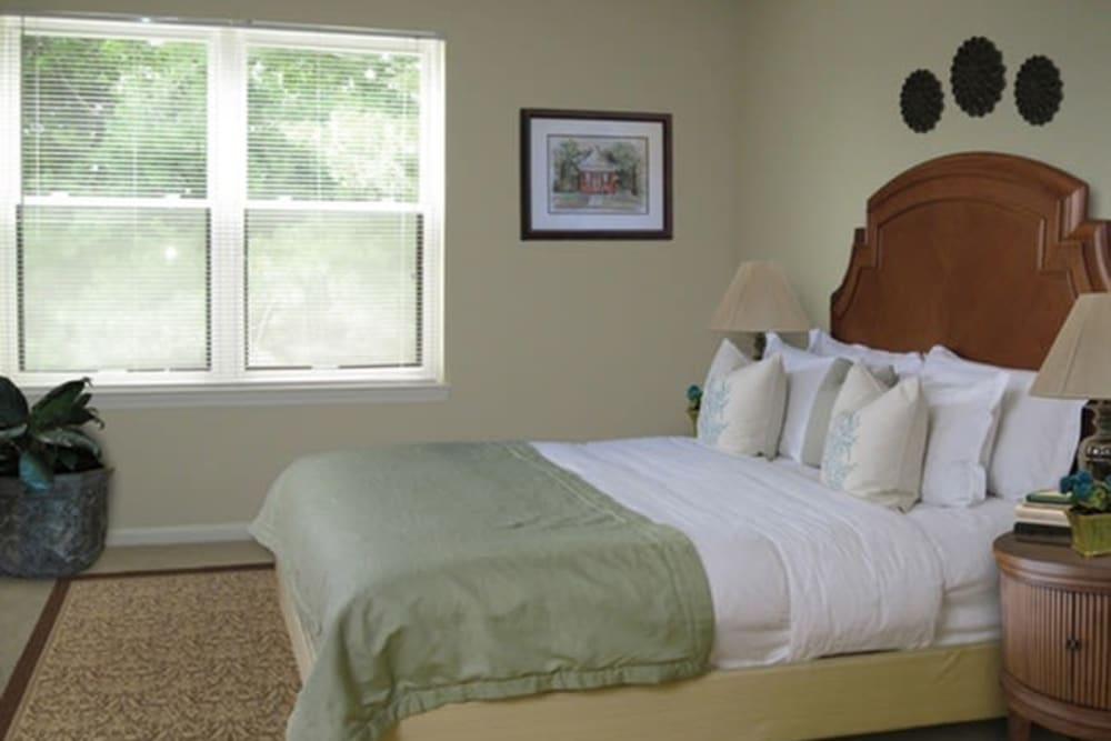Bedroom at Tamarron Apartment Homes in Olney, Maryland
