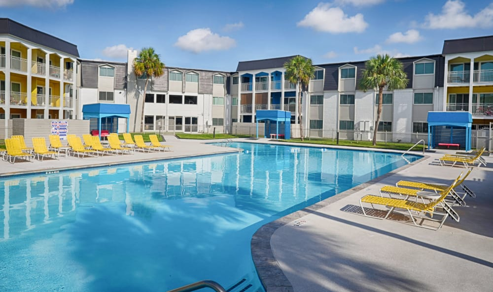 A sparkling pool is just one of the many amenities that The Sapphire at Nassau Bay has to offer.