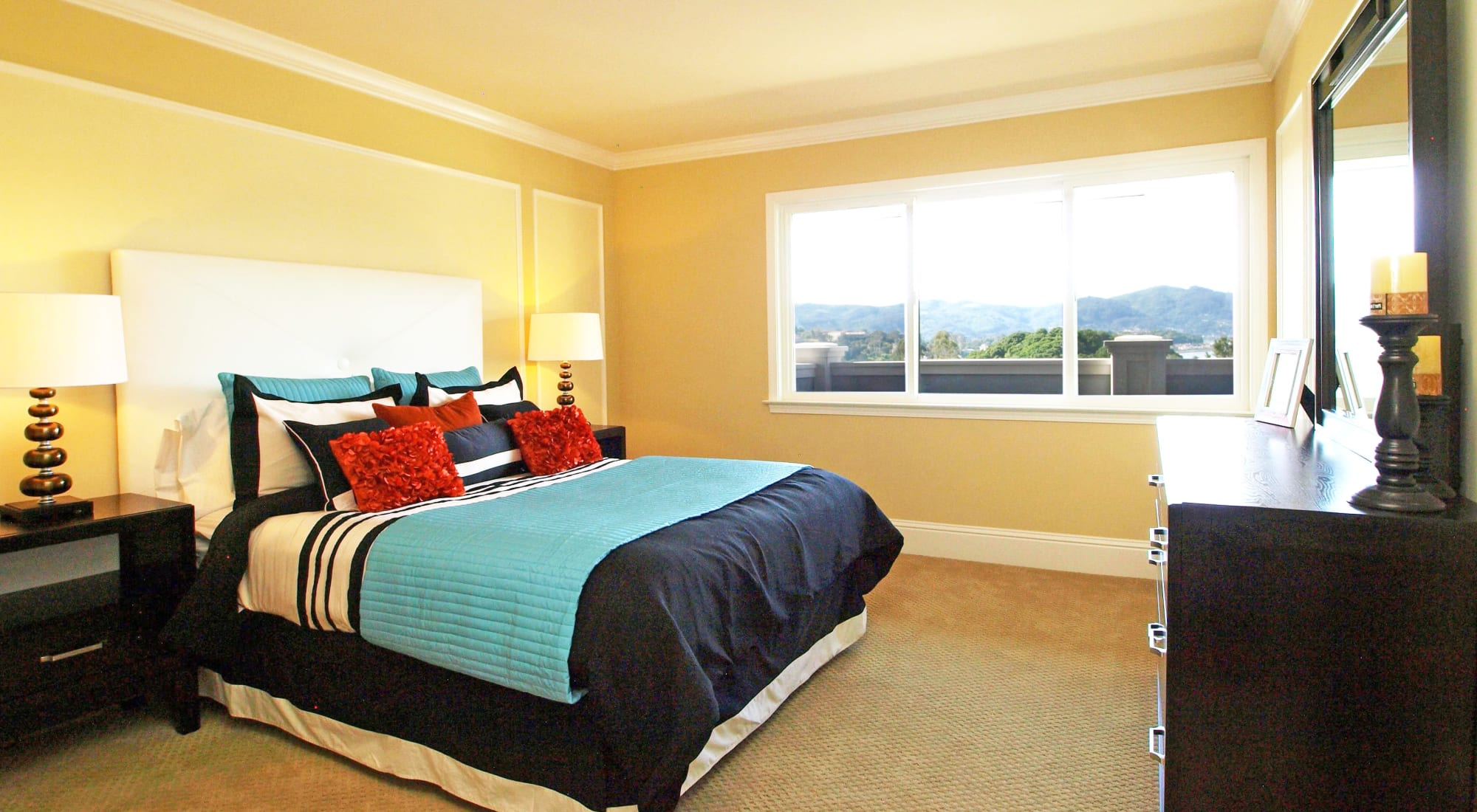 Apartments at Palmetto at Tiburon View in Tiburon, California