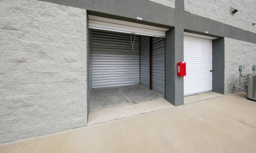 Storage Star features Exterior Storage Units in Plano, Texas
