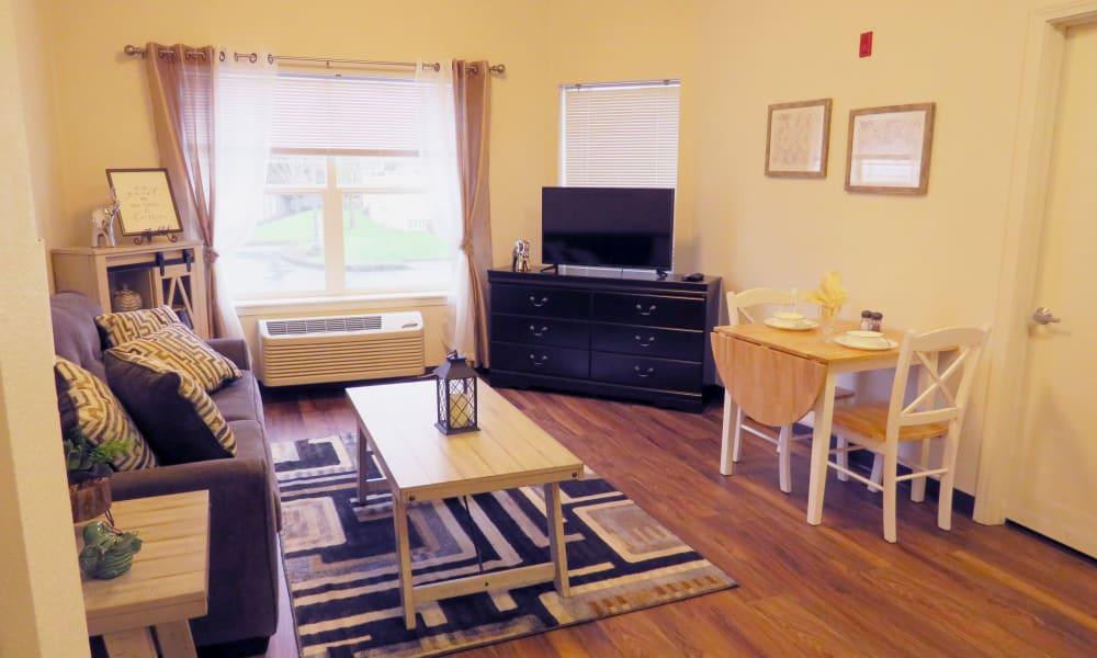 Furnished living area at Meadowlark Senior Living in Lebanon, Oregon