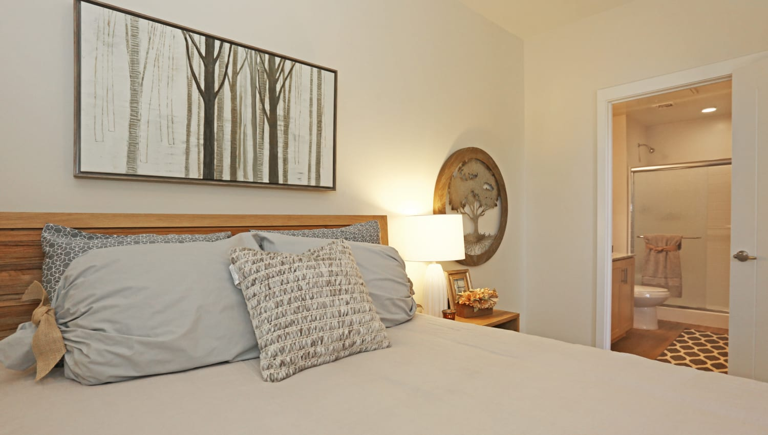 Cozy bedrooms with attached bathrooms at Mountain Trail in Flagstaff, Arizona