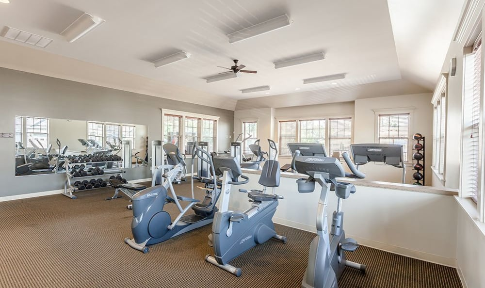 Saratoga Crossing offers a fitness center in Farmington, New York