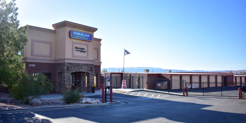The front entrance to STOR-N-LOCK Self Storage in Hurricane, Utah