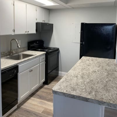 Model kitchen of Brittany Bay Apartments and Townhomes in Groveport, Ohio