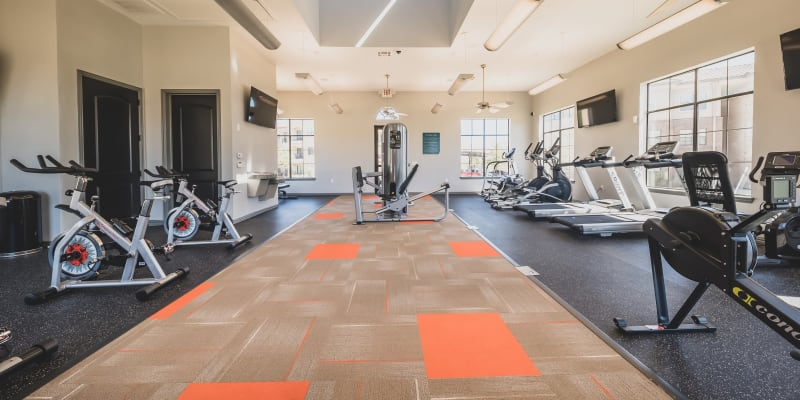 View virtual tour of the fitness center at Evolv in Mansfield, Texas
