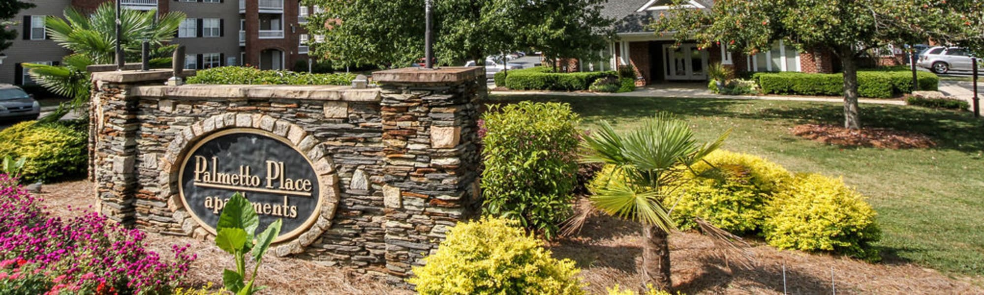 Apply online to Palmetto Place in Fort Mill, South Carolina