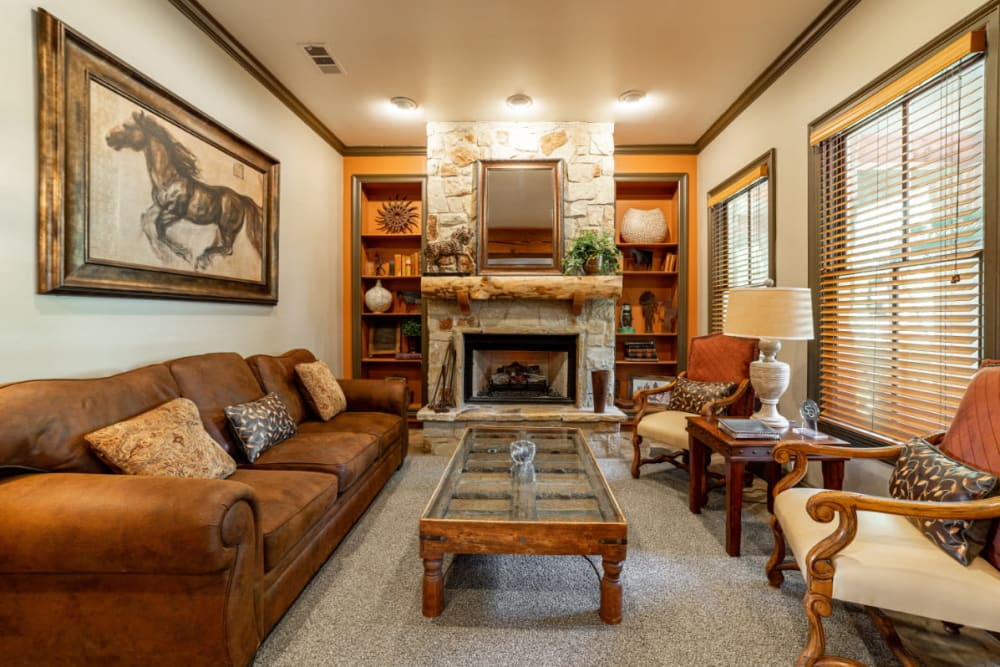 Rustic community sitting area at Marquis at Bellaire Ranch in Fort Worth, Texas