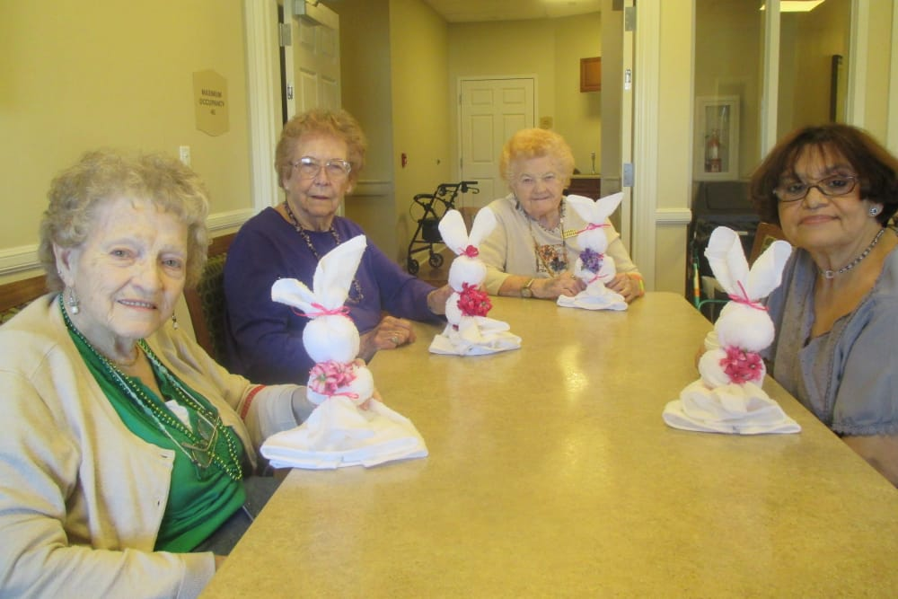 Residents making crafts at Eastern Star Masonic Retirement Campus