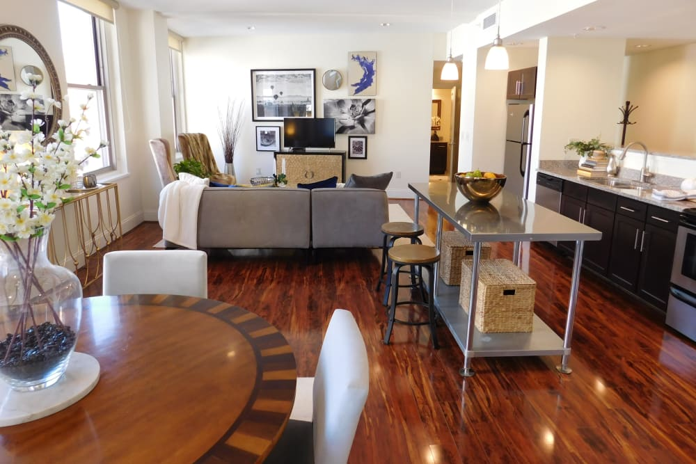 Well decorated apartment at The Reserve at 4th and Race in Cincinnati, Ohio