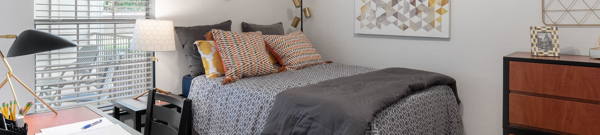 One Bedroom highlights from Flatts at South Campus in Oxford, Mississippi