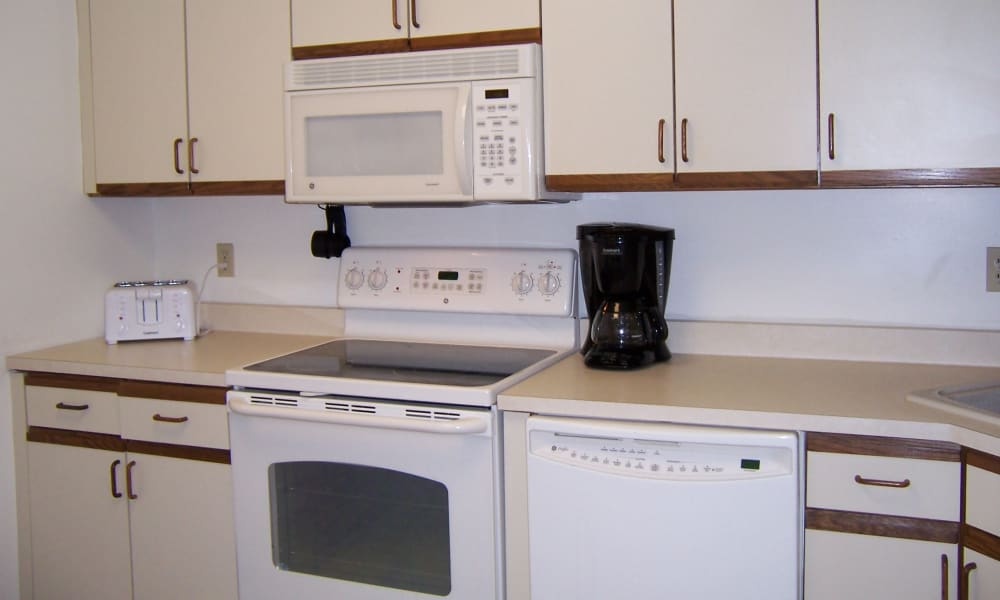 Fully Equipped Kitchen at Carriage Hill Apartments in Pittsford, NY
