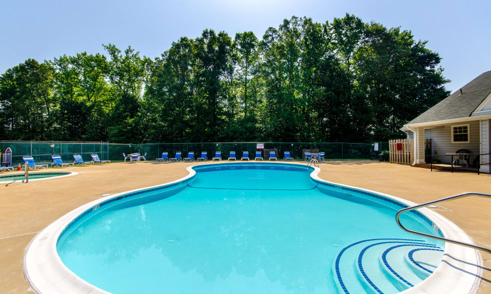 Pool at The Pointe at Stafford Apartment Homes