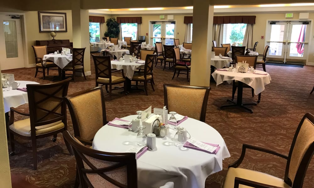 Open dining hall at Woodside Senior Living in Springfield, Oregon