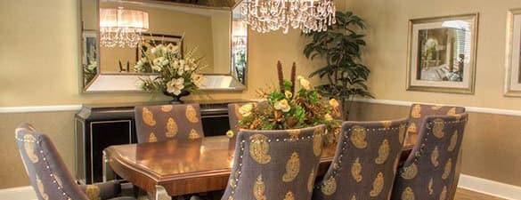 Dining room at Burr Ridge Senior Living