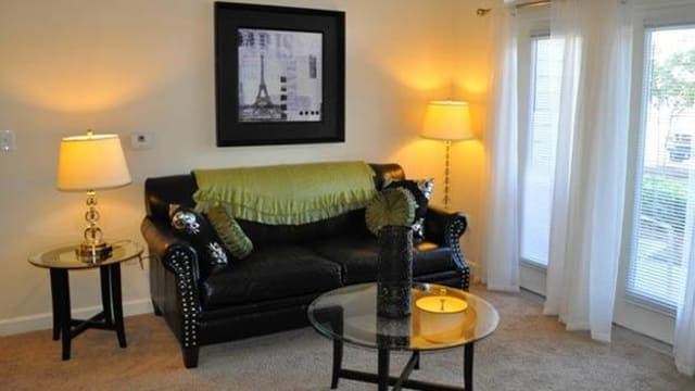 Resident living room at the apartments for rent in Pavilion at Plantation Way