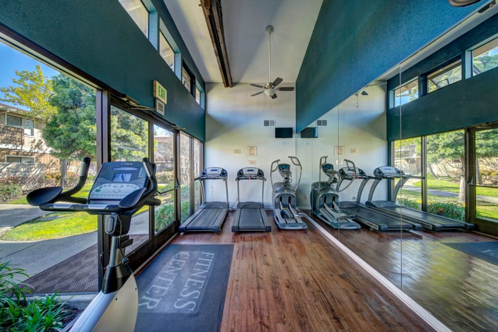 newly renovated fitness center Parkside Commons Apartments