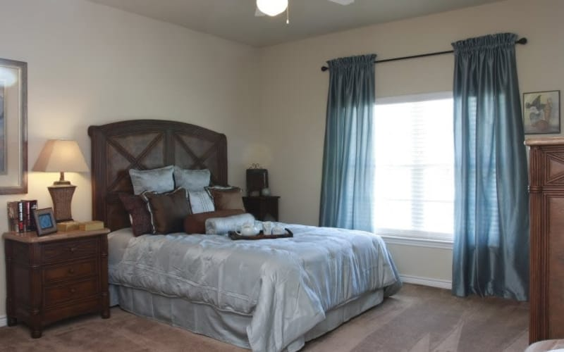 Lakeside Apartment Homes showcase an unique bedroom in Slidell, Louisiana