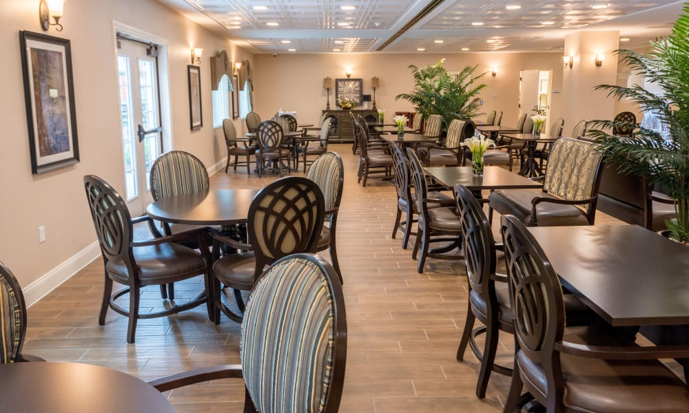 Resident dining room at Inspired Living at Sugar Land in Sugar Land, Texas.
