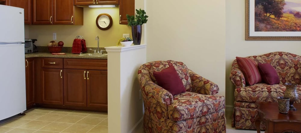 Living space at Waltonwood Main in Rochester, MI
