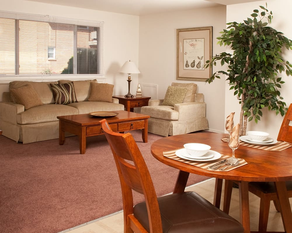 Living room at Alpine Court Apartments in Stratford, New Jersey