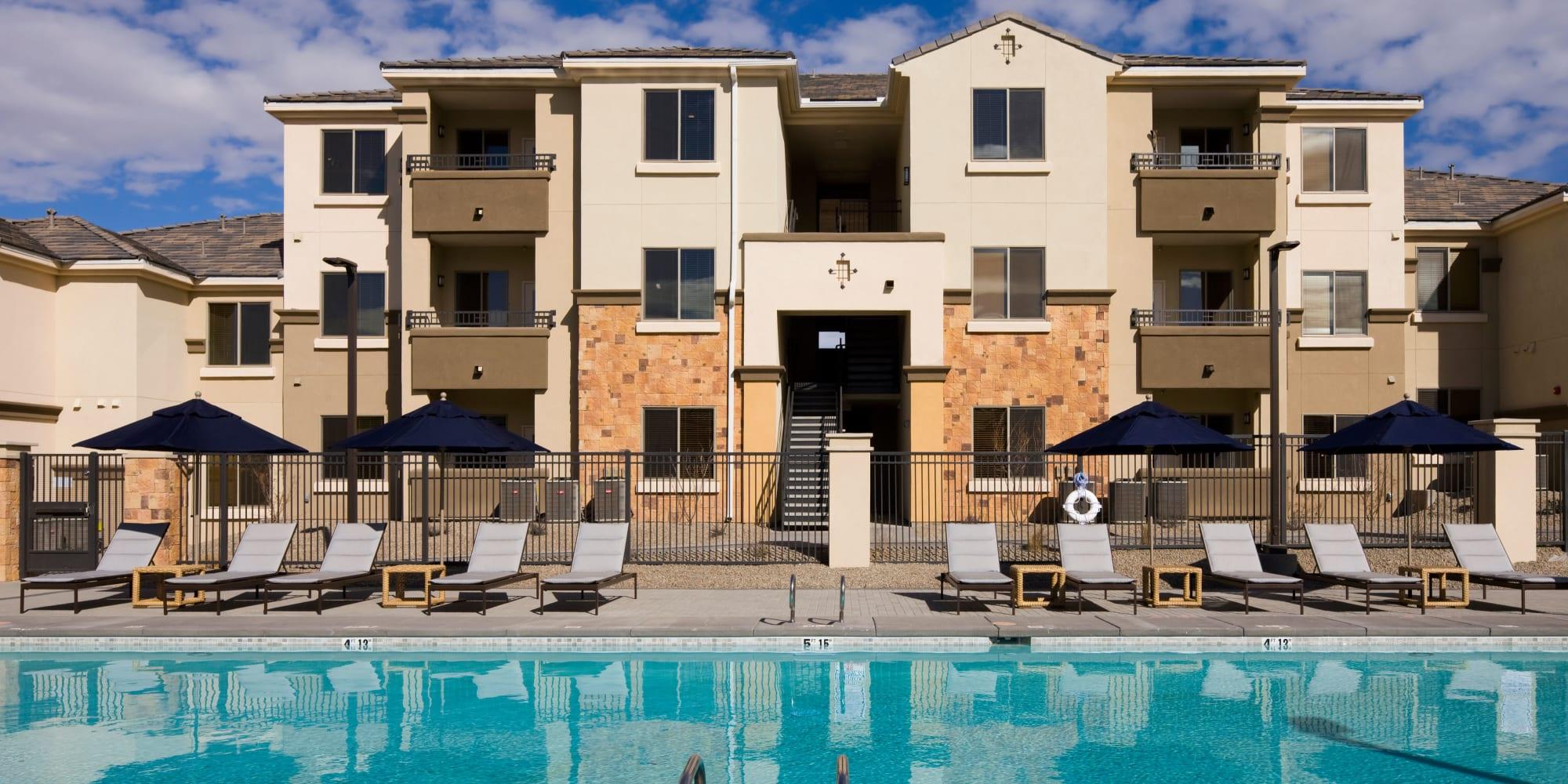 Luxury pool at Olympus Alameda in Albuquerque, New Mexico