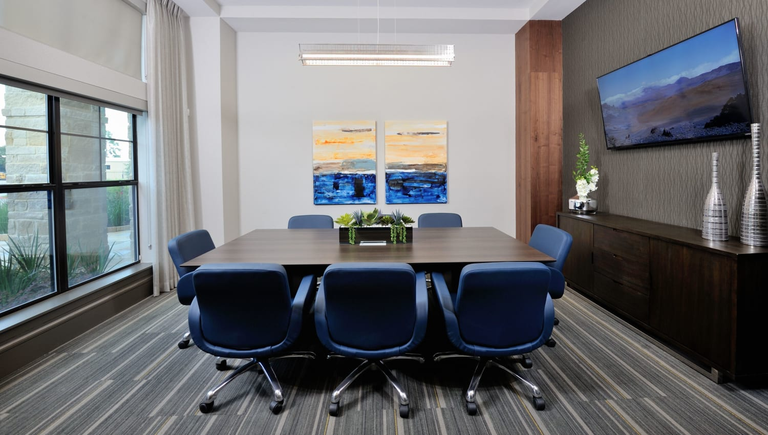 Business meeting room at Olympus Falcon Landing in Katy, Texas