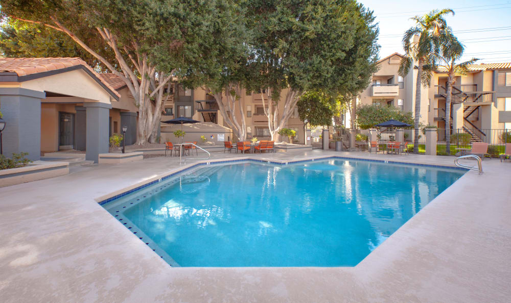 Apartments with a beautiful outdoor pool in Tempe, Arizona