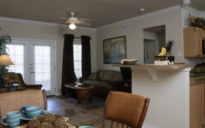 Lakeside Apartment Homes offers a state-of-the-art living room in Slidell, Louisiana