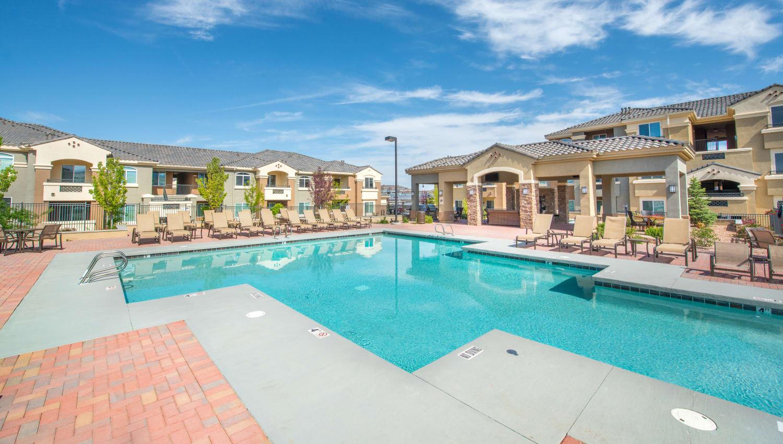 Olympus Encantada resort style pool in Albuquerque, New Mexico
