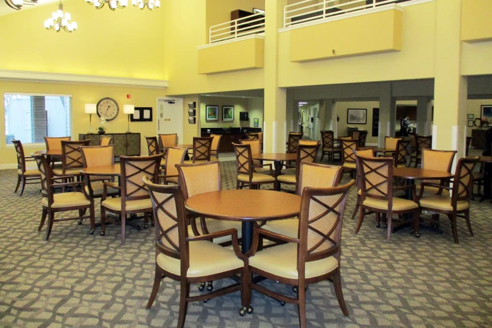 Large room at Woodside Senior Living in Springfield, Oregon