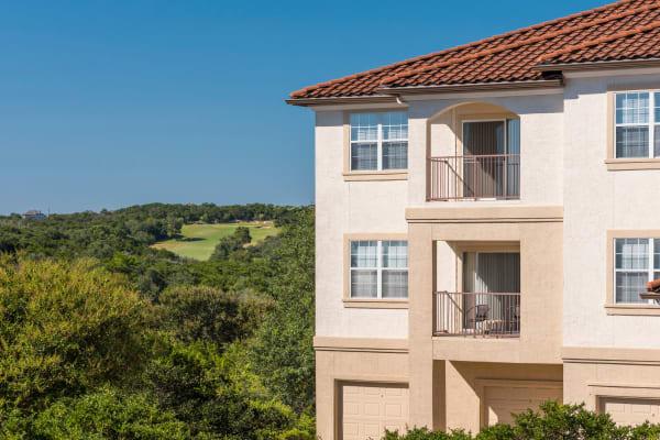 Building exterior at Mira Vista at La Cantera in San Antonio, Texas