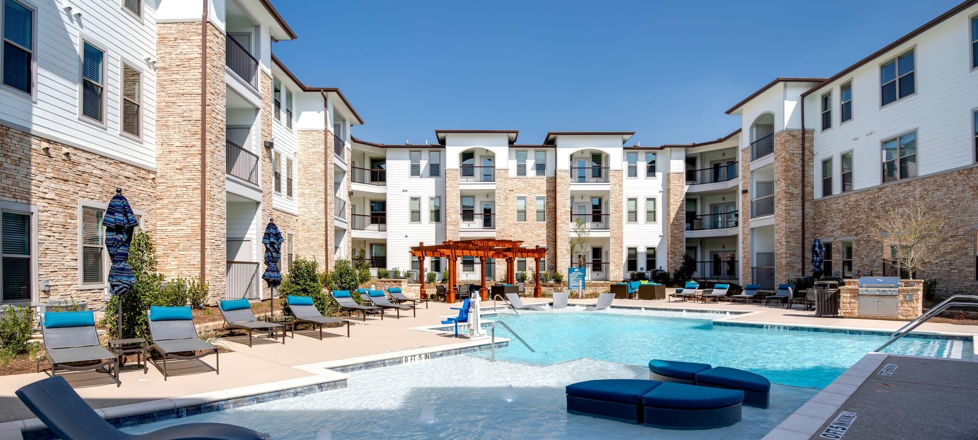 Resort style pool at Bellrock Upper North in Haltom City, Texas