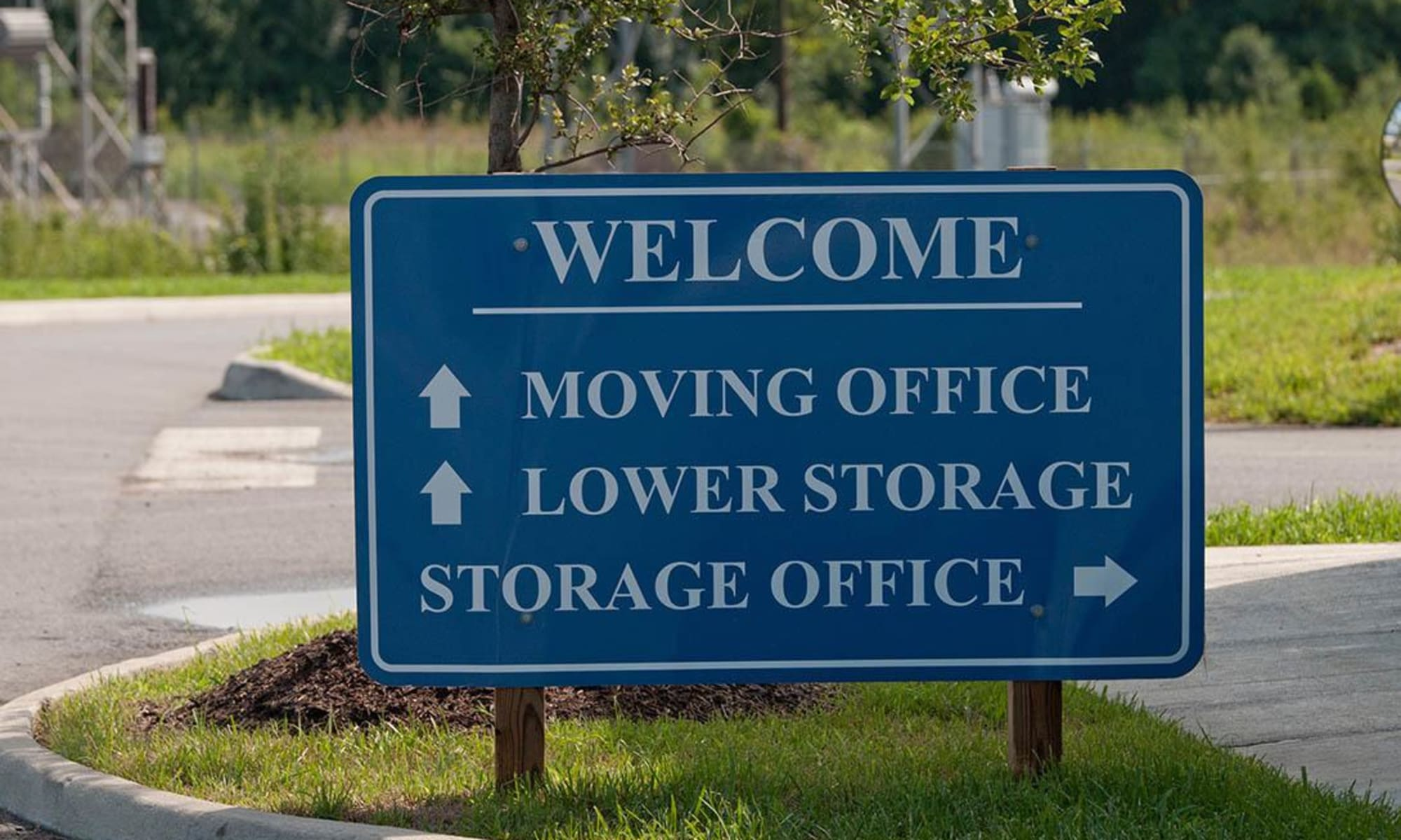 Directional sign at Virginia Varsity Storage in Salem, Virginia