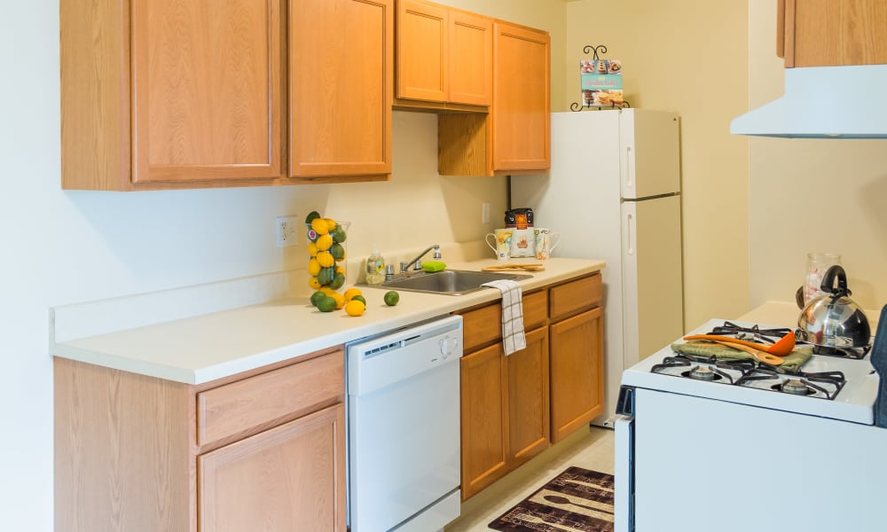 Kitchen amenities at Maple Creek Apartments in Sterling Heights, Michigan