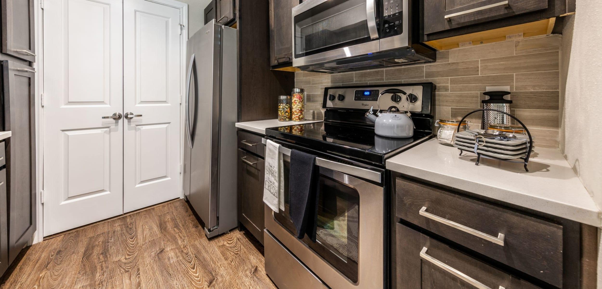 Modern, sleek kitchen at Marquis on Memorial in Houston, Texas