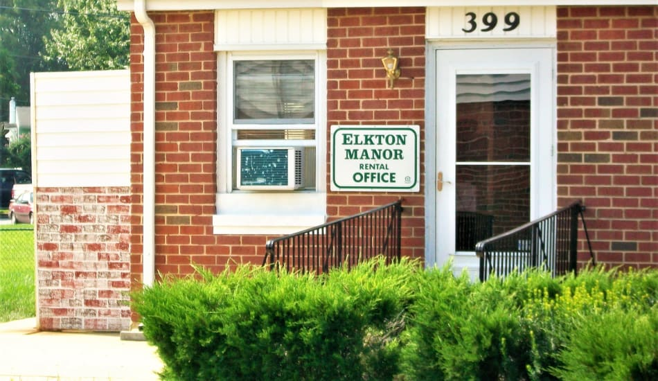 Elkton Manor Apartments leasing office