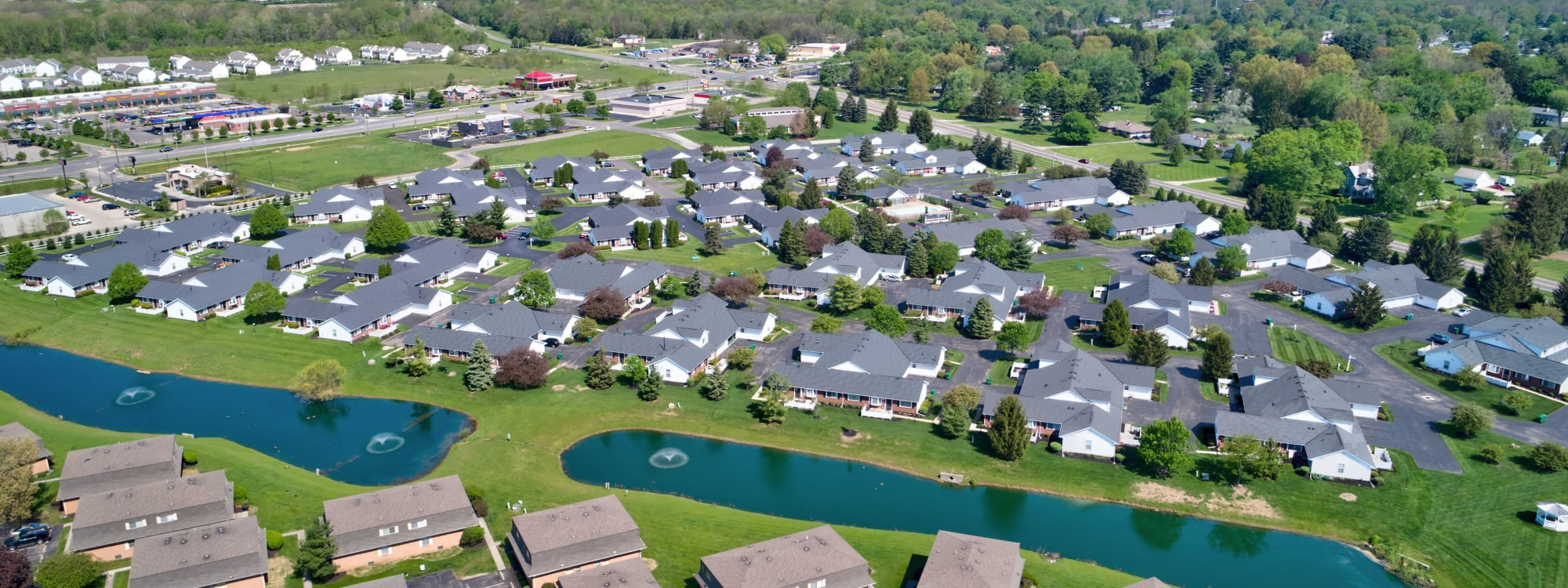 Photos of Brittany Bay Apartments and Townhomes in Groveport, Ohio
