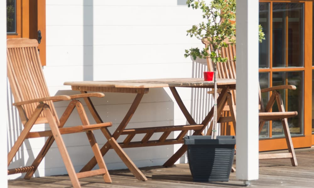 Outdoor table at Stewartown Homes in Gaithersburg, Maryland