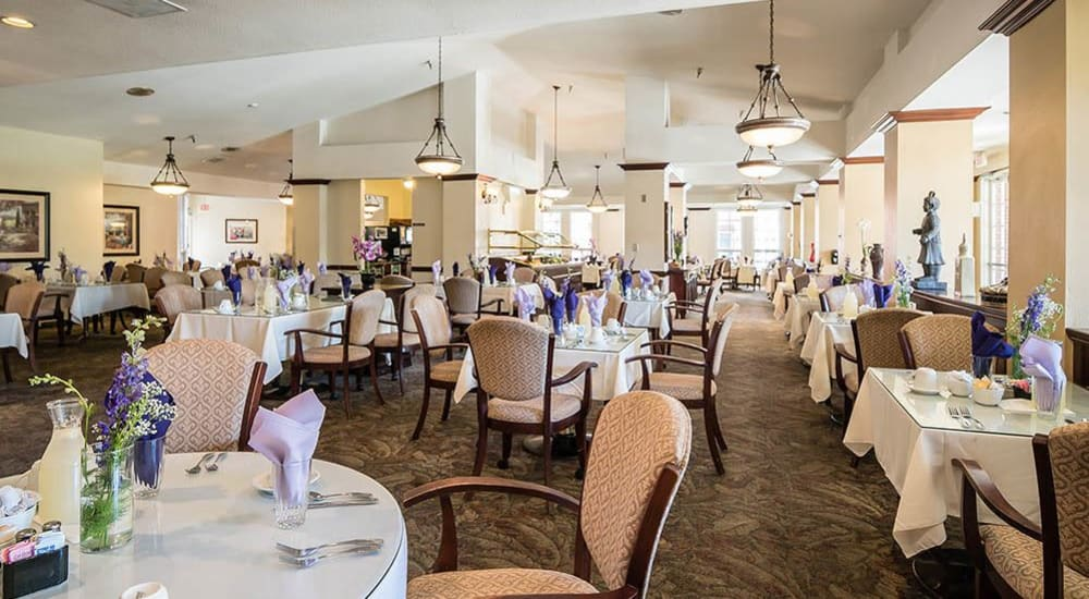 Spacious restaurant-style dining hall at Carmel Village in Fountain Valley, California