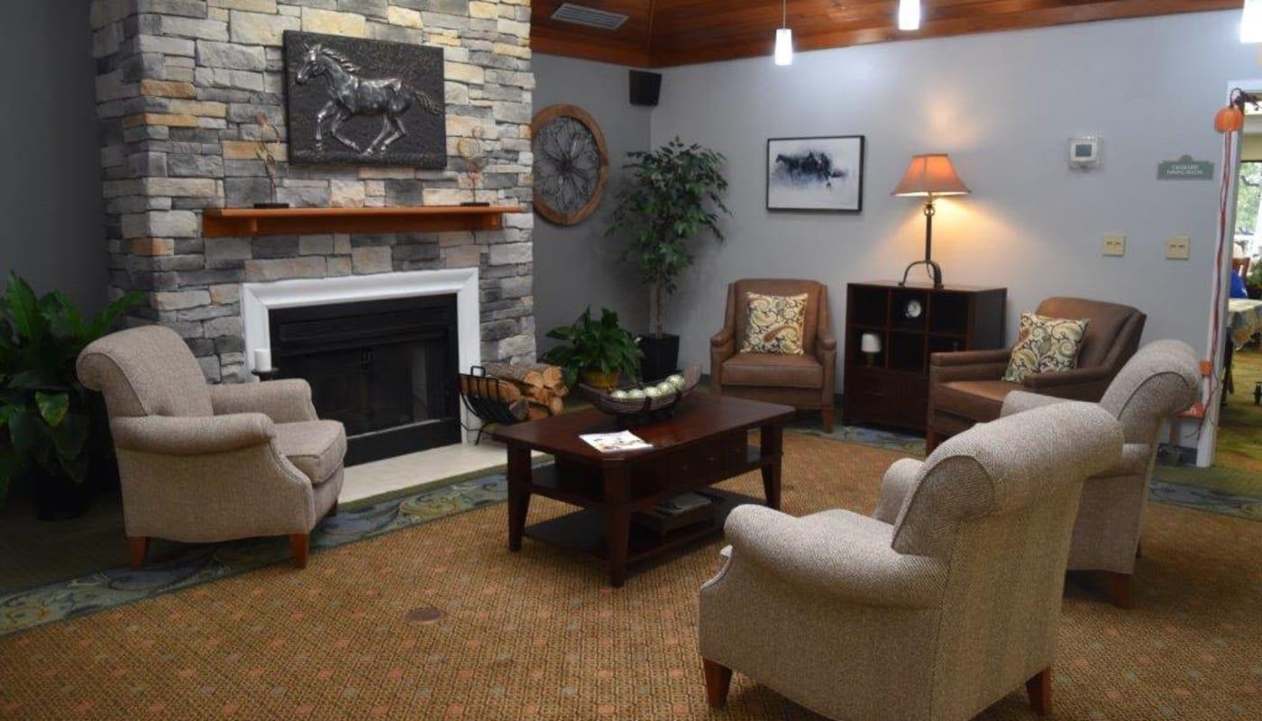 Resident lounge at Willow Creek Senior Living in Elizabethtown, Kentucky