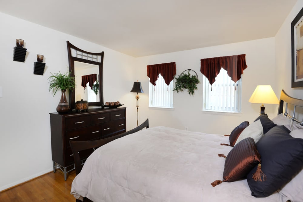 Bedroom layout at The Orchards at Severn in Severn, Maryland