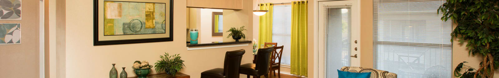 Guest suites at El Lago Apartments in McKinney, Texas