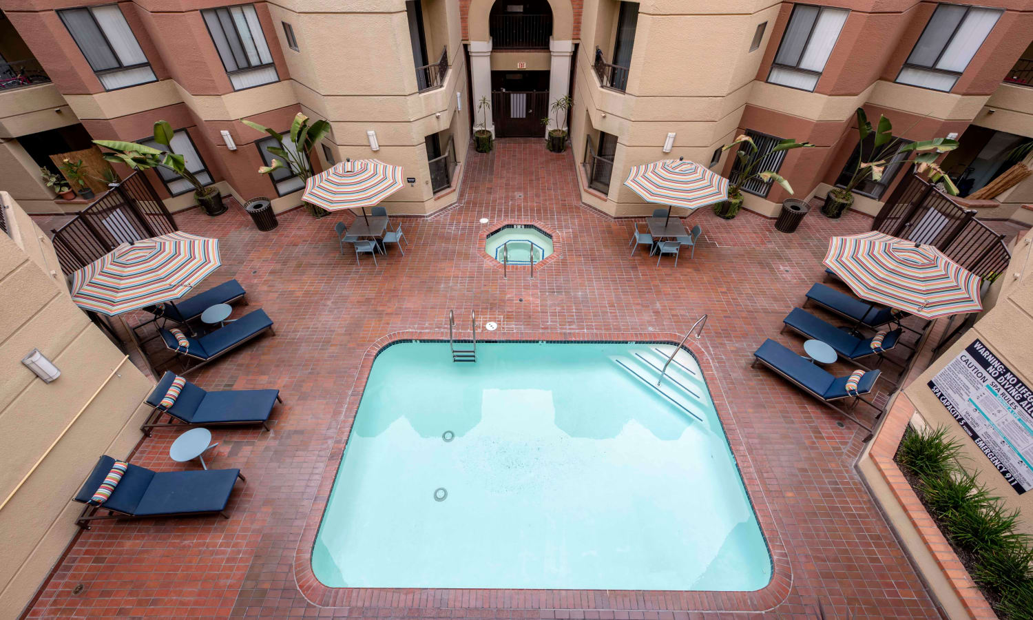 Sofi at 3rd offers a spacious swimming pool in Long Beach, California