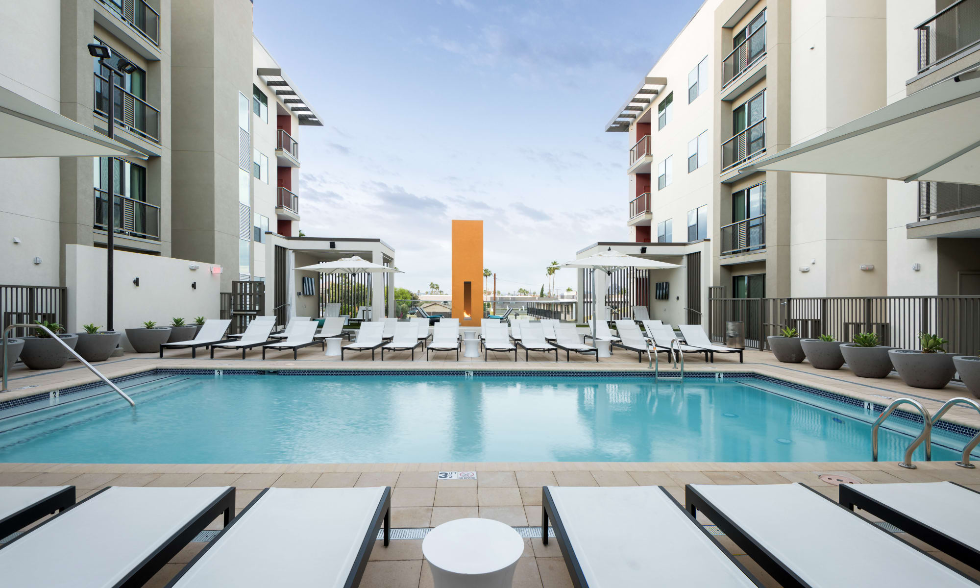 Apartments in Phoenix, Arizona at Capital Place