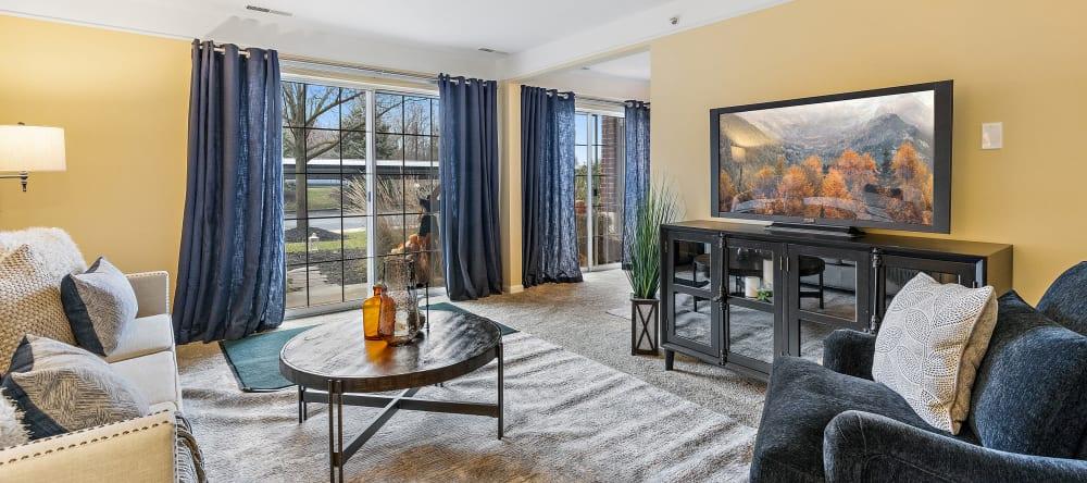 Living room area of Waltonwood Twelve Oaks