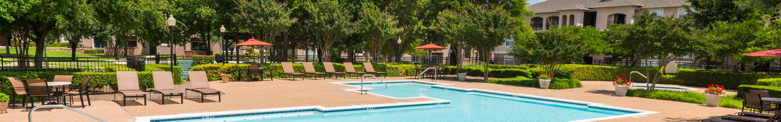 Guest suites at Ballantyne Apartments in Lewisville, Texas