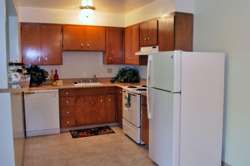 Spacious kitchen area of Arden Palms Apartments in Sacramento, California